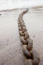 Kette im Sand