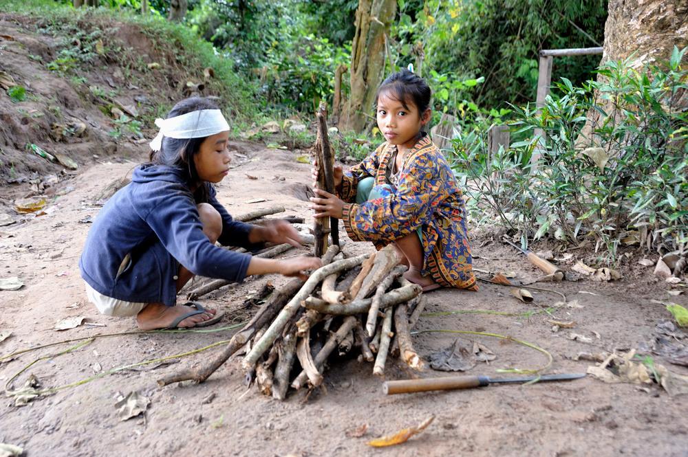 Khamu girls