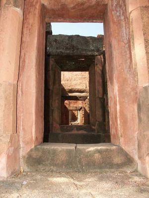 Khmer-Ruine Prasat Puai Noi, Nähe Ban Phai