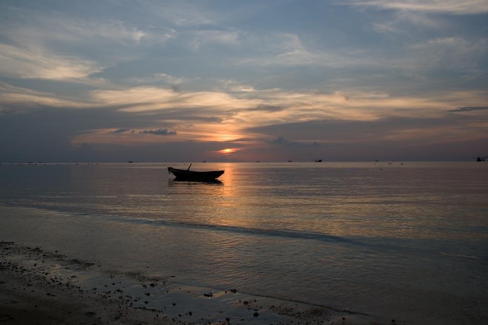 Kho Phangan - Ruderboot - Sonnenuntergang in Thailand