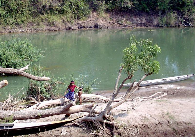 Kids am Mekong