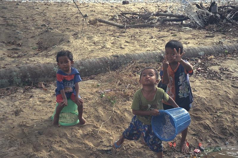 Kids in Malaysia (Tiomann Island)