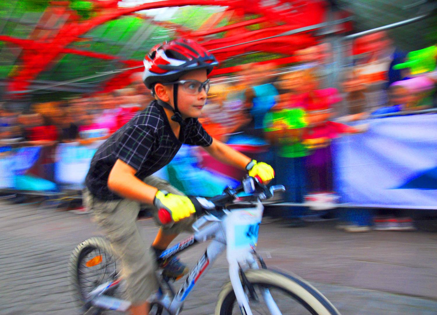 kid's race zur Eröffnung des jährlichen P-Weg Marathon-Wochenendes