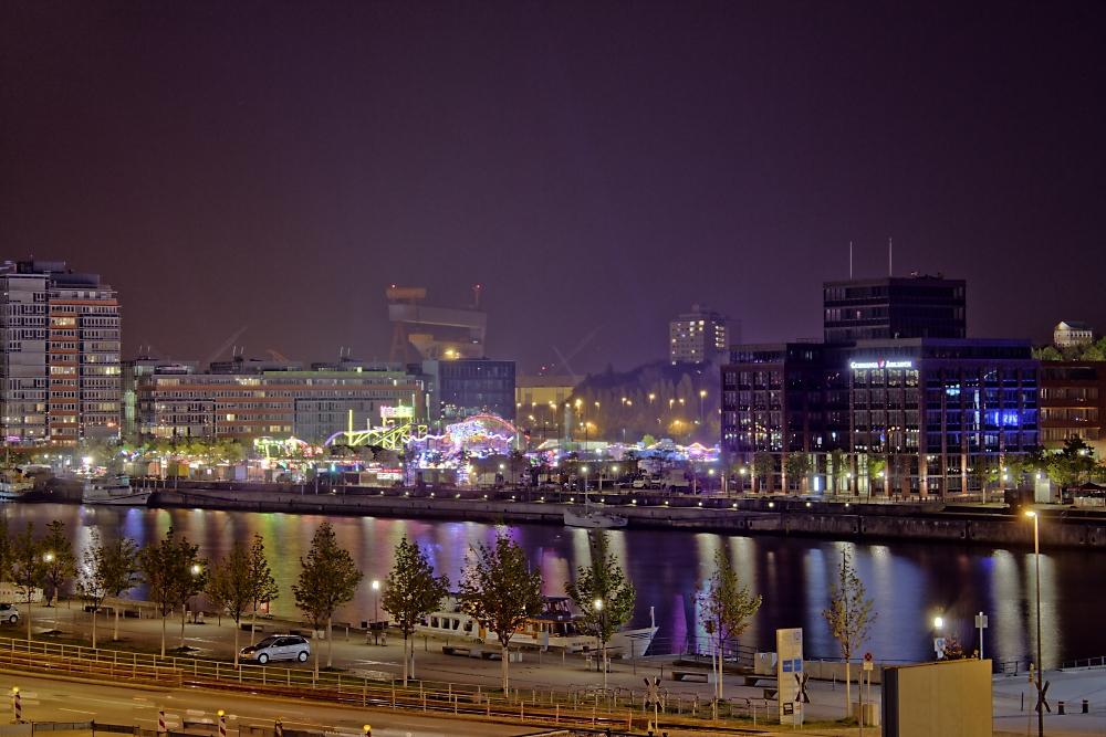 Kieler Jahrmarkt bei Nacht
