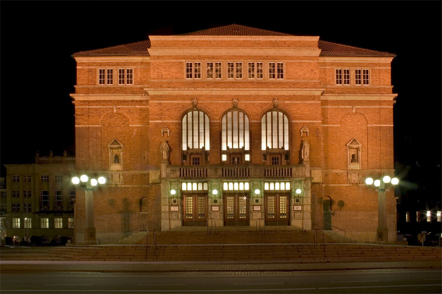 Kieler oper foto bild architektur architektur bei nacht motive bilder auf fotocommunity - Architektur kiel ...