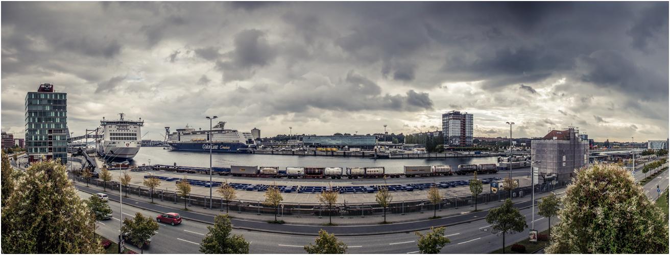 Kieler_Hafen_180