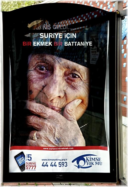 KiMSE YOK MU - Türkisches Plakat für syrische Flüchtlinge