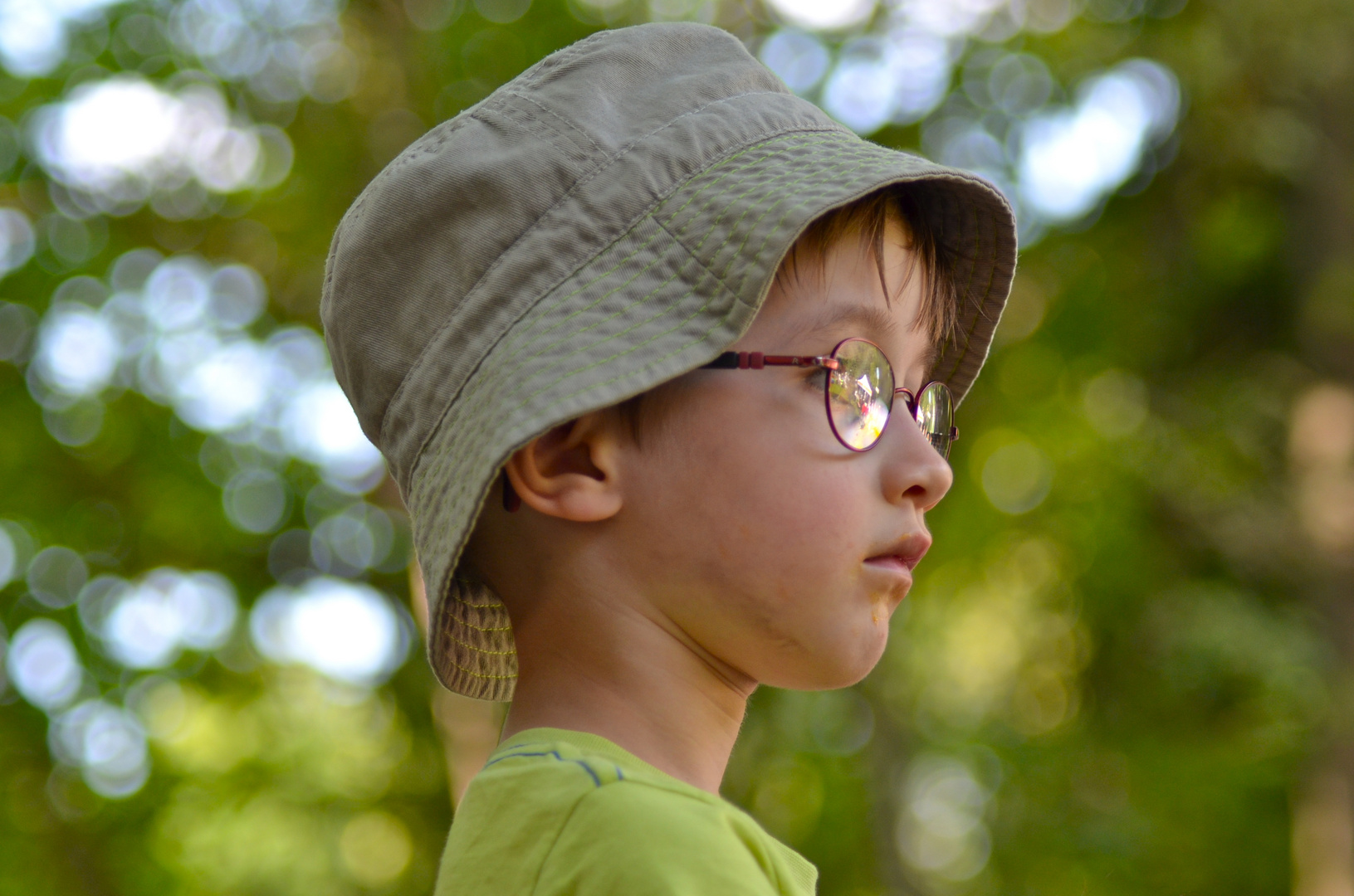 Kind mit Hut
