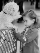 Kind und Hund