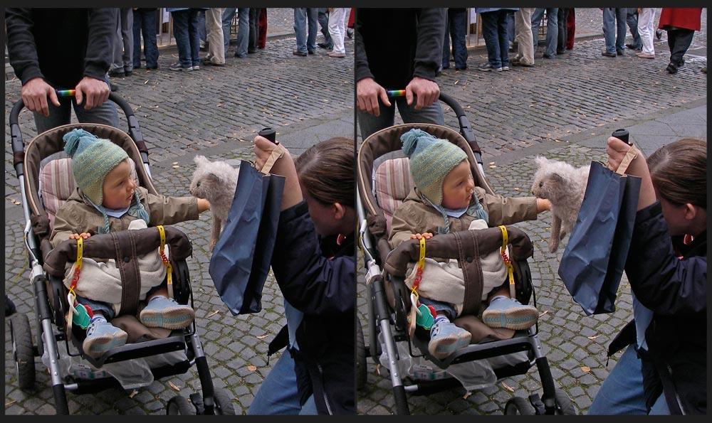 Kind und Katzen-Handpuppe