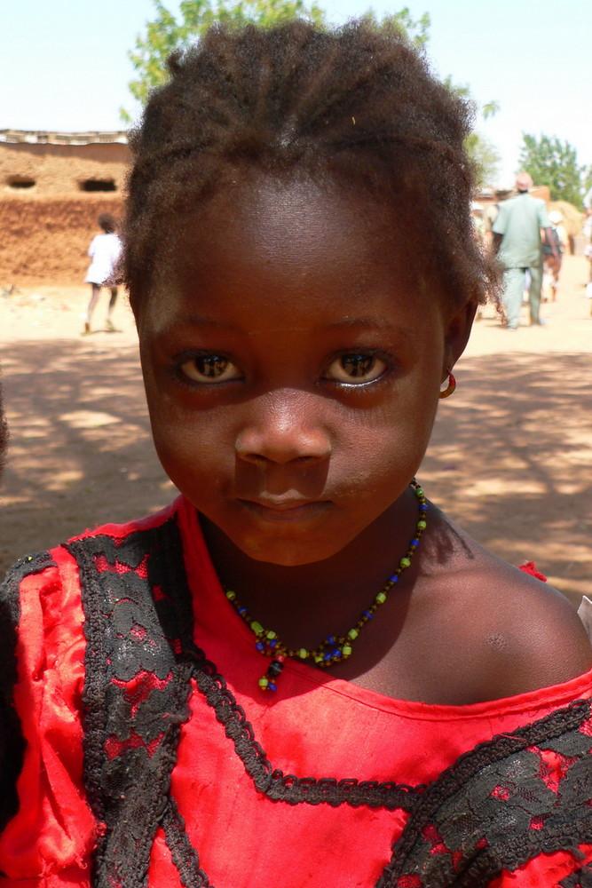 Kind von einem kleinen Maliort