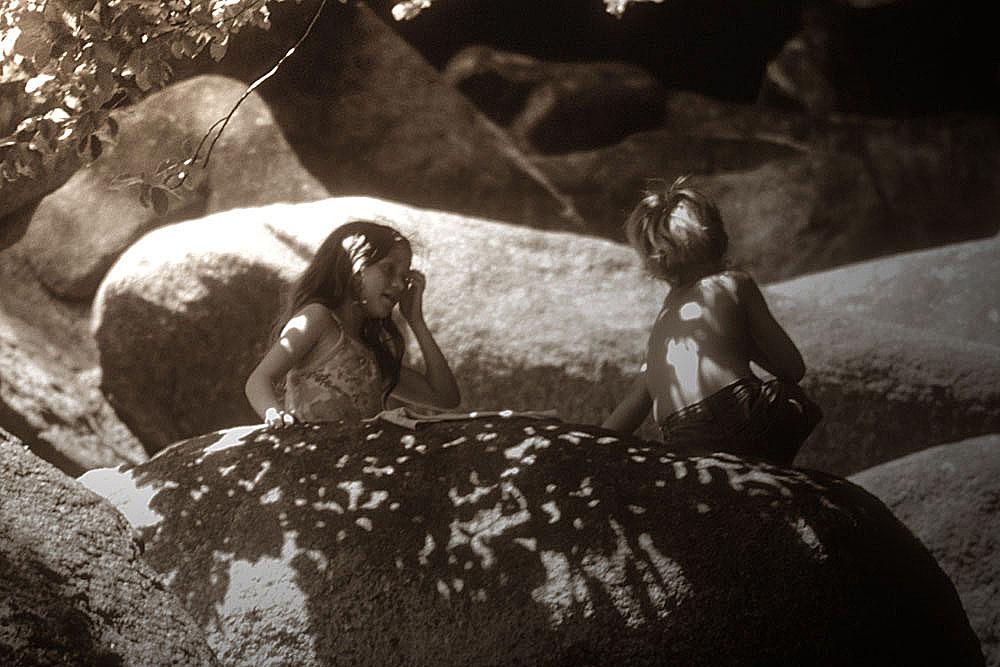 Kinder am Felsenmeer