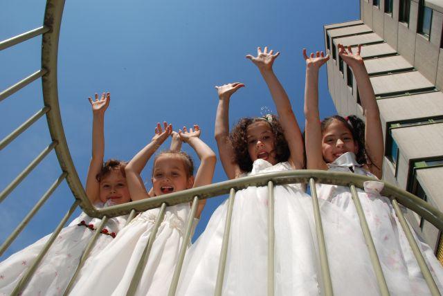 Kinder beim jubeln