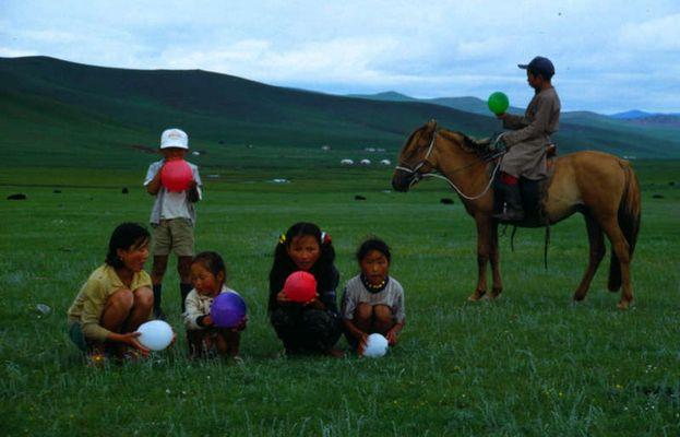 Kinder der Steppe (Mongolei)