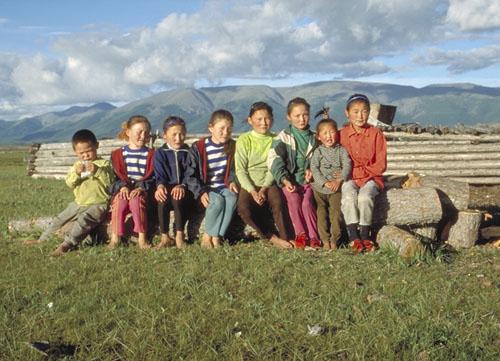 Kinder in der Nordmongolei