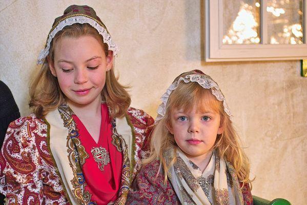 Kinder in helgoländer Tracht