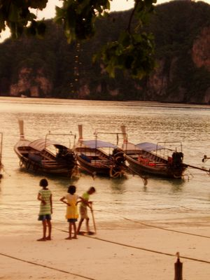 Kinder in Thailand
