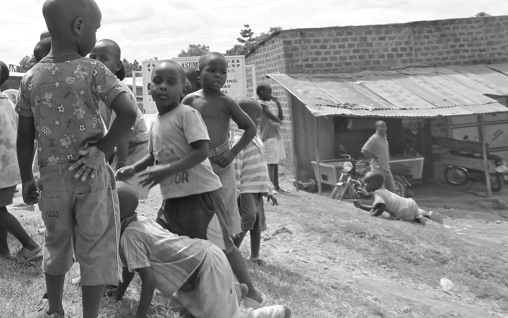 Kinder in Uganda (3)