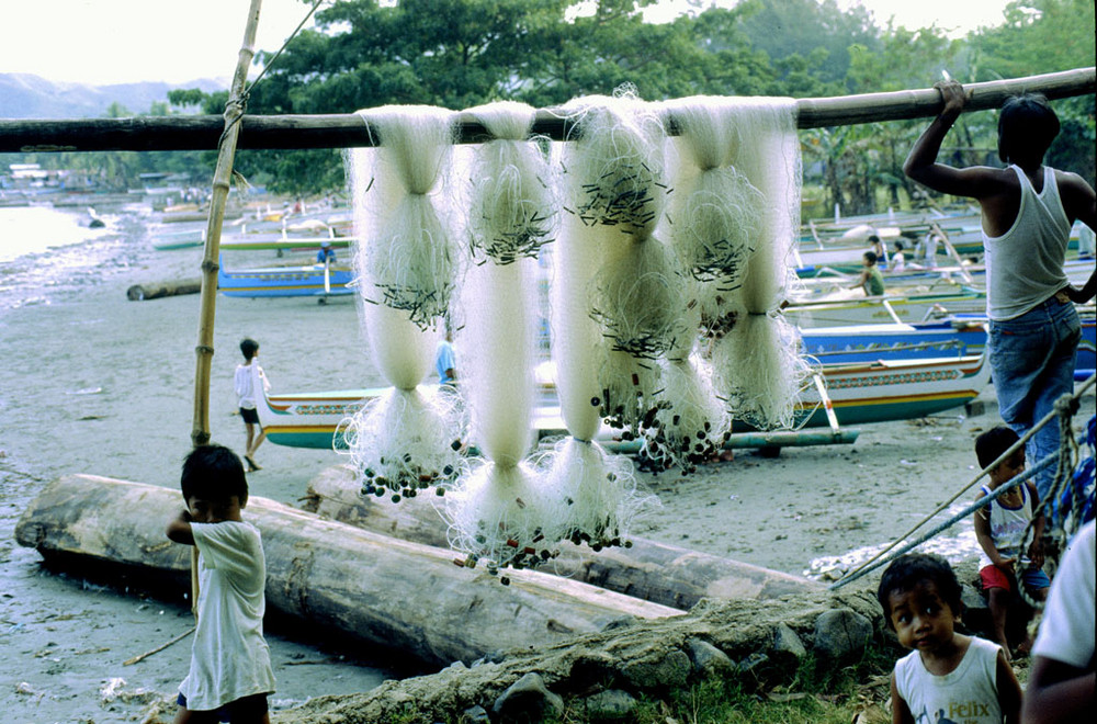 Kinder und Fischer,Sual;Pangasinang-Luzon