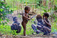 Kinder von Yakel
