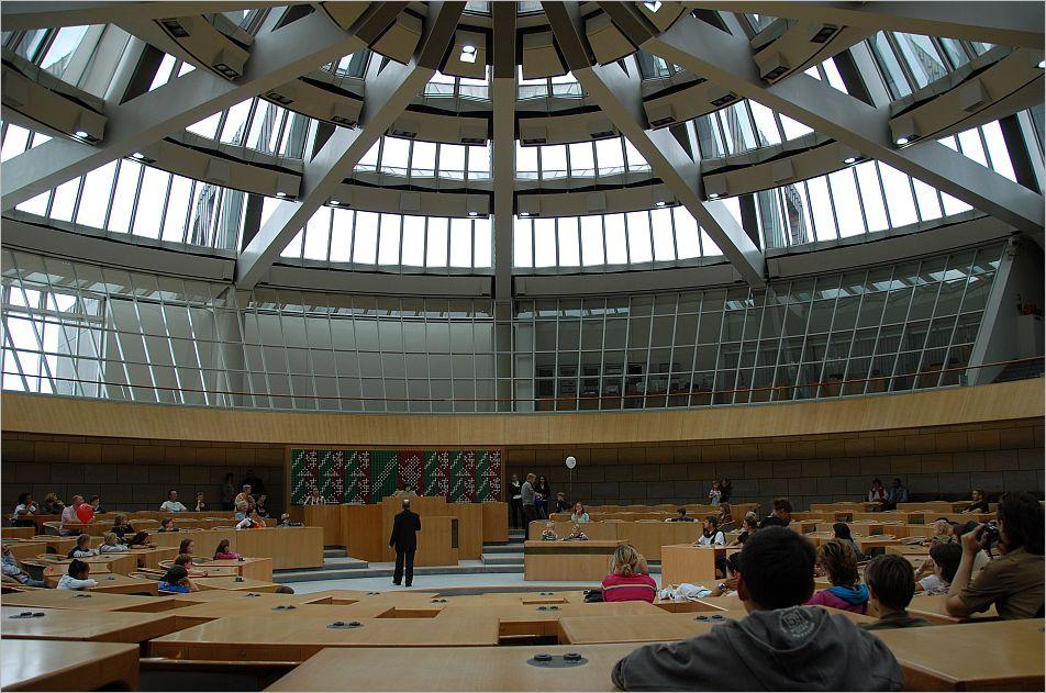 Kinderdebatte im Plenarsaal ...