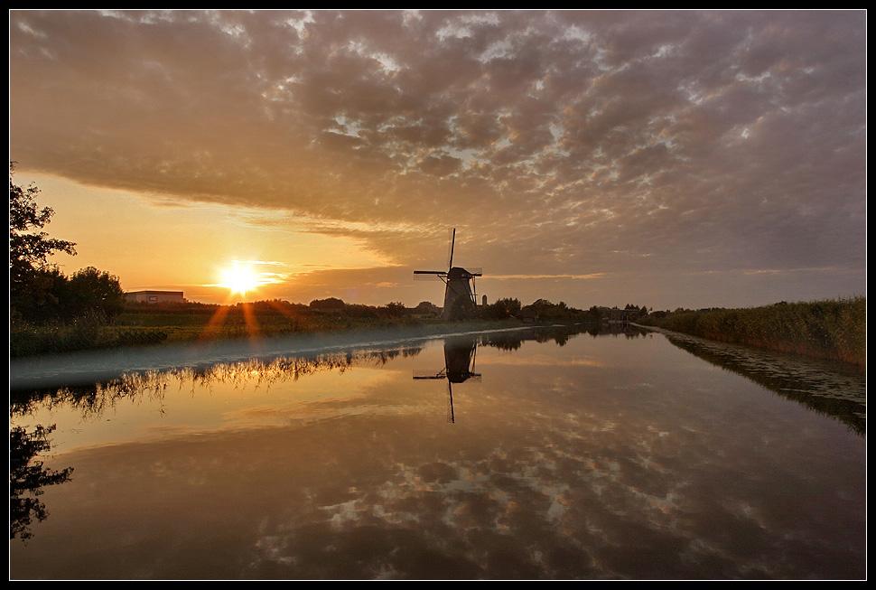 Kinderdijk golden hour