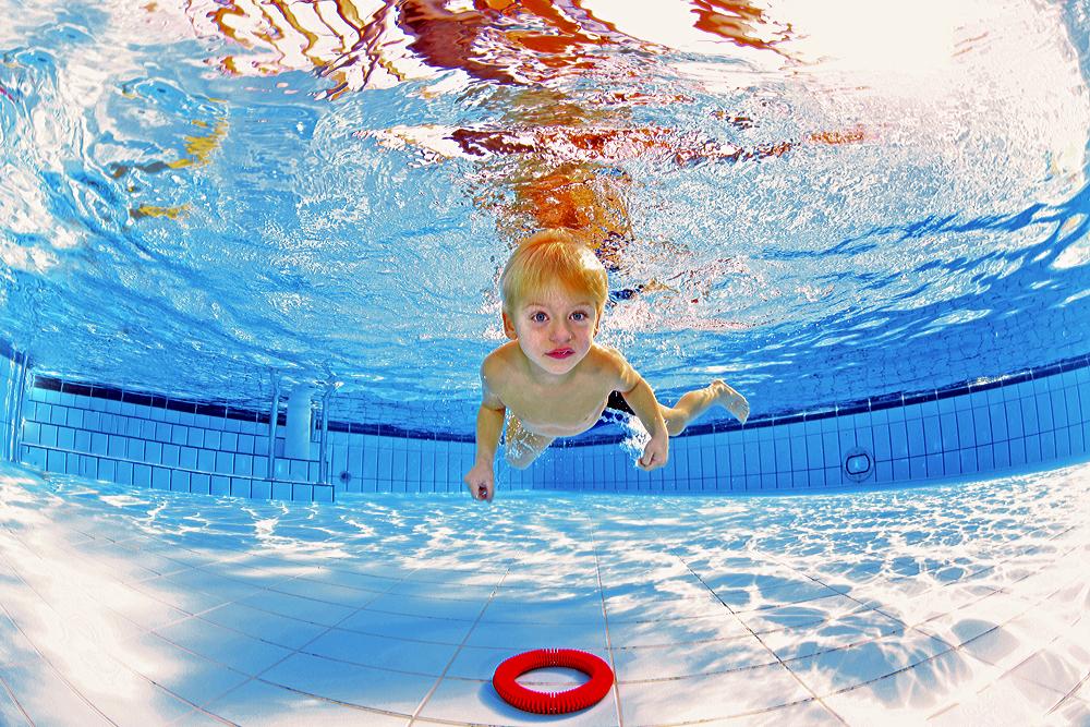 Kinderschwimmen - Schwimmkurs mit Unterwasserfotos und Videos