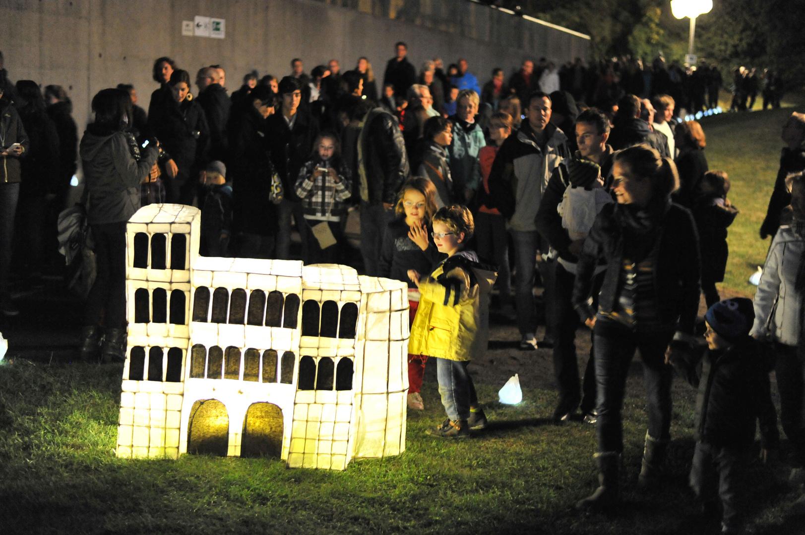 Kinderstaunen beim Lichterglanz - Lichterfest auf dem Petrisberg
