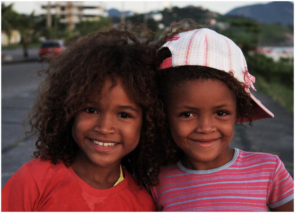 Kindheit des Lächelns - Strassenkinder in Rio de Janeiro von Hansi F.