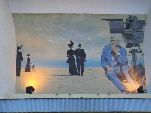 Kino Südfrankreich über dem Eingang