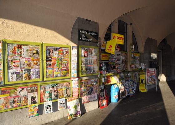 Kiosk an der Markthalle...so bunt