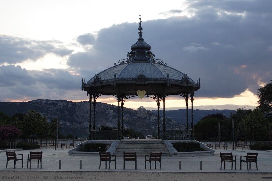 ... Kiosque Peynet (Valence)...
