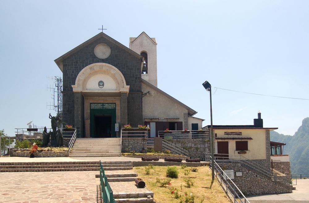 Kirche auf dem Monte Faito