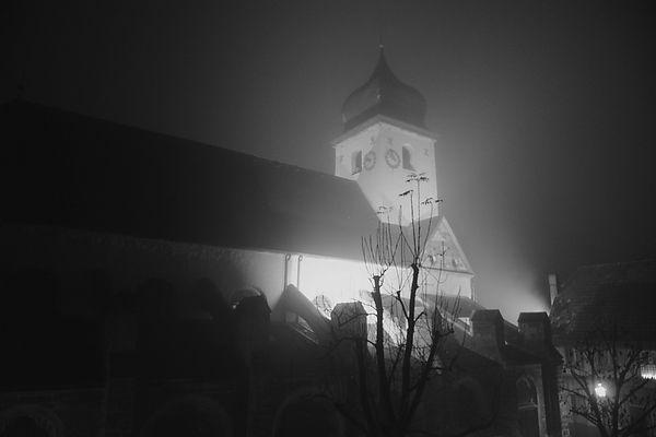 Kirche im Nebel