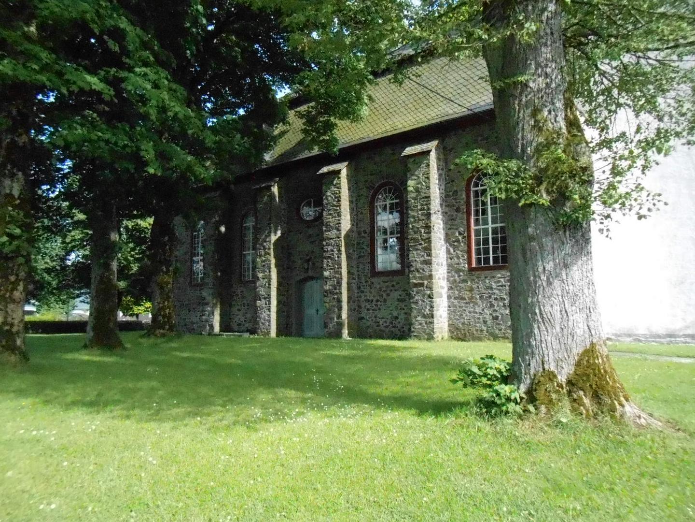 Kirche in Emmerichenhain