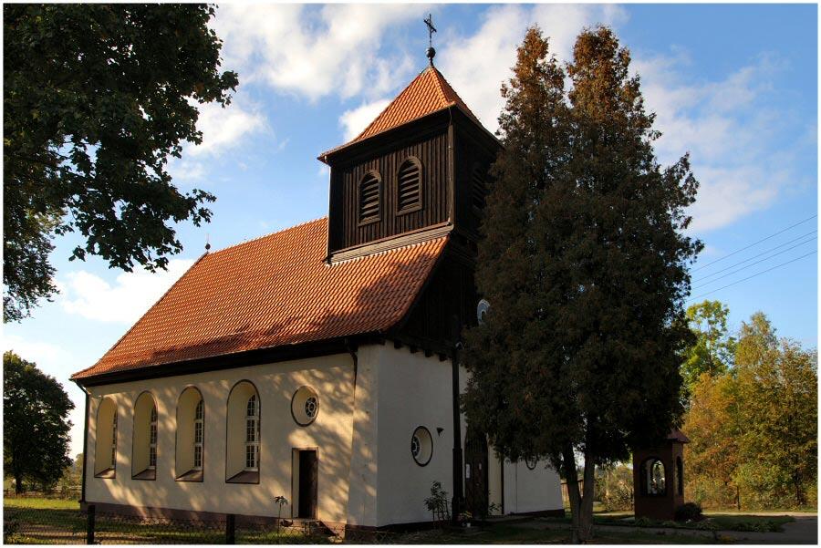 Kirche in Ksiezy Lasek
