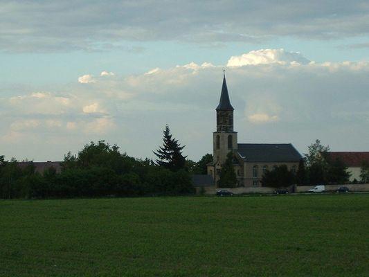 Kirche in Strießen am 21.5.2003