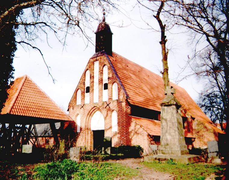 Kirche in Waase auf Ummanz/ Rügen