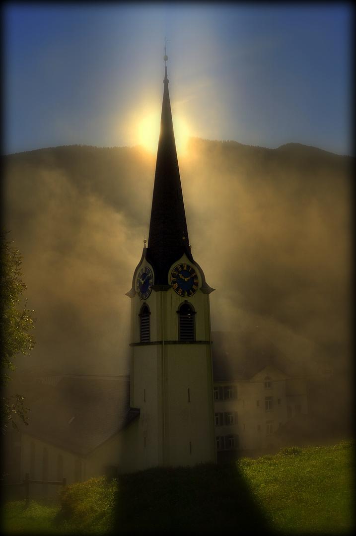 Kirche Luchsingen mit Nebel 2012