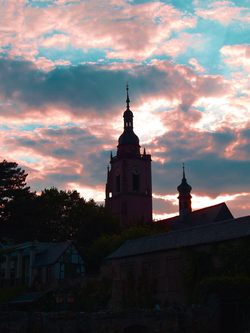 Kirche mal düstern und geheimnisvoll