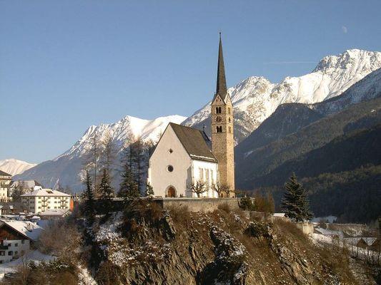 Kirche von Scuol (Schuls), Engadin, Graubünden