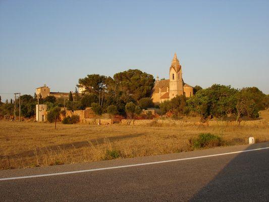 Kirche von weitem