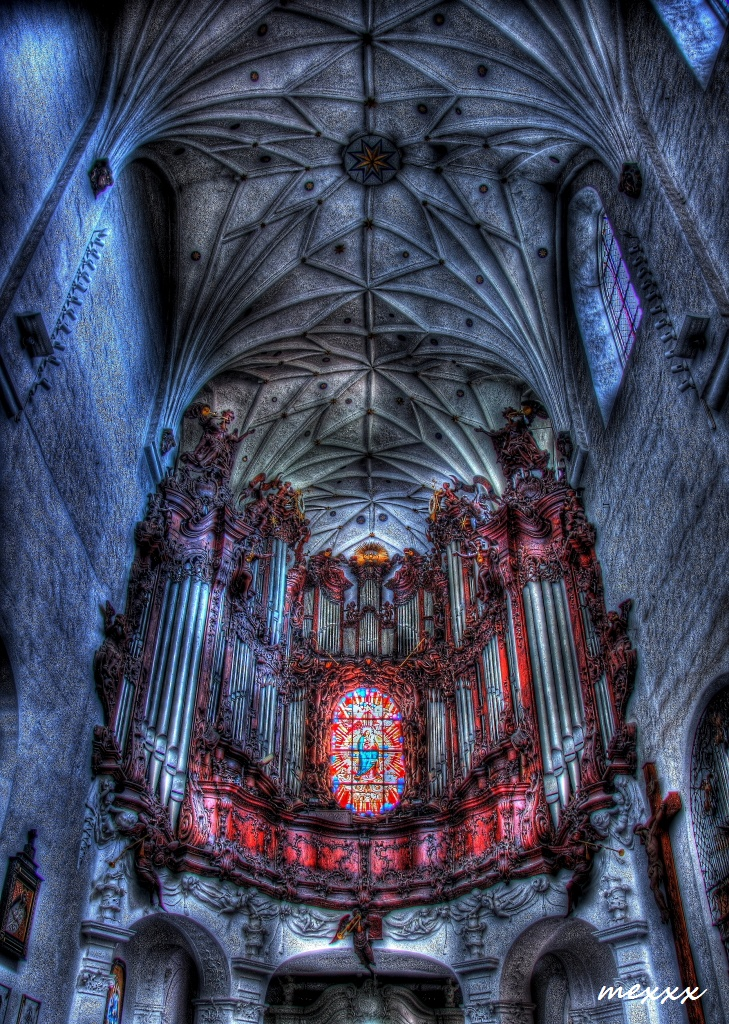Kirche zur heiligen Dreifaltigkeit, heiligsten Jungfrau Maria und Hl. Bernhard