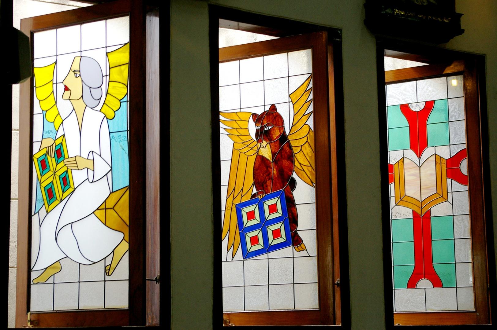 Kirchenfenster . . .