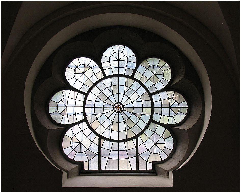 Kirchenfenster in St. Ursula Köln