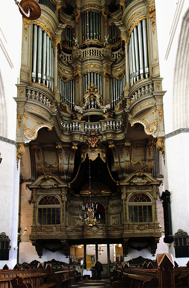 Kircheninnenansicht....Rostock
