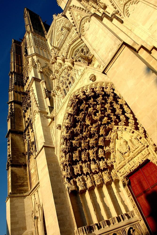 Kirchenportal mit 24mm Optik....
