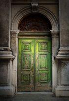 Kirchentür in Venedig