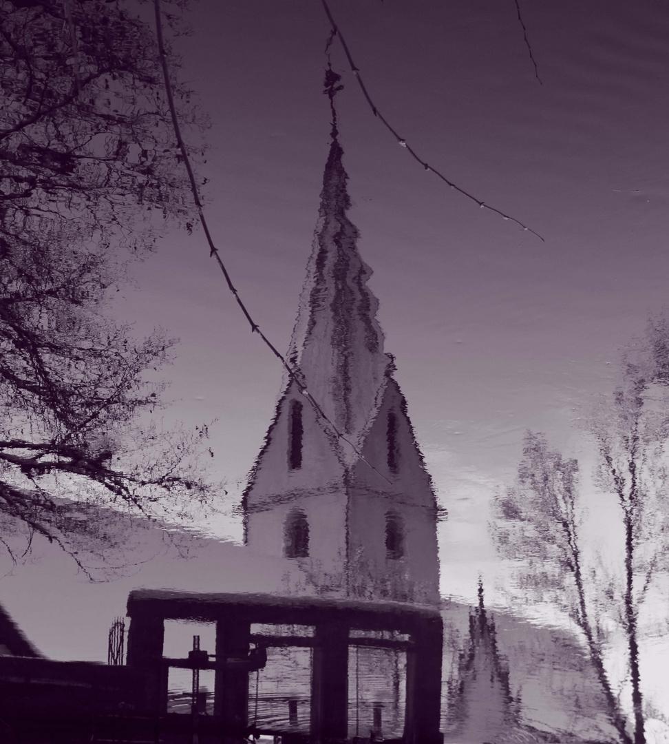 Kirchturm im Blautopf