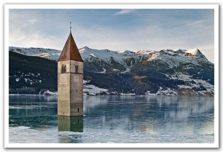 Kirchturm im Reschensee (Südtirol)